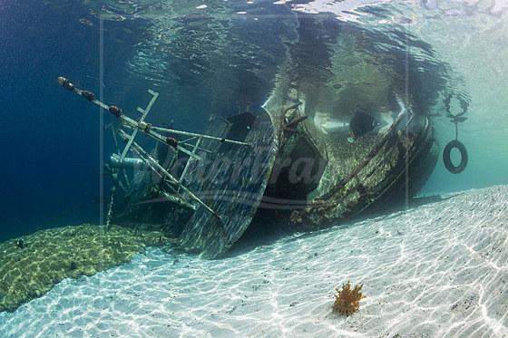 Fischerboot Wrack / Fishing Boat Wreck