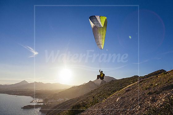 Gleitschirm fliegen am Morro de Toix bei Calpe / Paragliding at Morro de Toix near Calpe