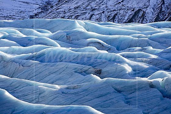 Blaues Eis am Svinafellsjokull Gletscher / Blue Ice at Svinafellsjokull Glacier